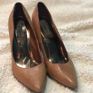 Steve Madden Tan Leather Heels